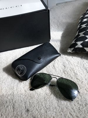 AUTHENTIC RAY-BANS AVIATORS- BLACK for Sale in Hyattsville, MD