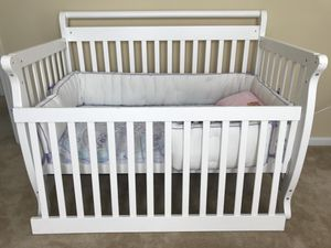 CRIB AND MATTRESS WITH BEDDING for Sale in Annandale, VA