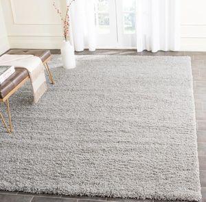 New soft light gray 7 x 10 shag area rug by threshold for Sale in Bellflower, CA