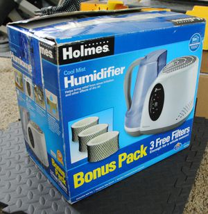 Holmes HM2408V Humidifier, Extra Filters for Sale in Lakewood, CA