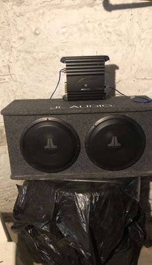 """12"""" JL audio speakers and Alpine amp for Sale in Cleveland, OH"""