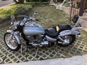 2004 Honda VTX 1300 LOW MILES & CLEAN!! for Sale in Los Angeles, CA