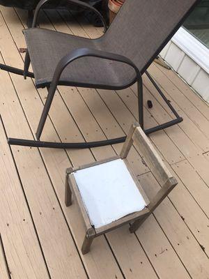 Child chair free for Sale in Fairfax, VA