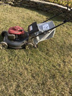Honda Push Self Propelling Lawn Mower Works for Sale in Reston,  VA