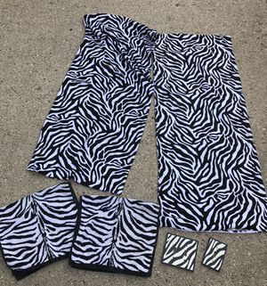 Zebra print!! 2 body pillow cases, 2 hand towels, 2 light switch covers for Sale in Shelby charter Township, MI