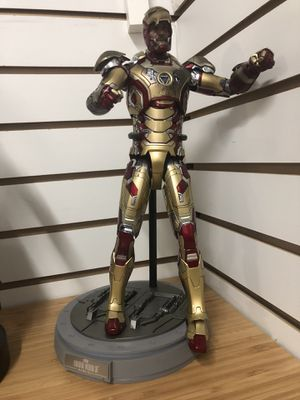 Hot toys iron man superman figma for Sale in New York, NY
