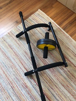Pull up bar and ab roller for Sale in Fort Lauderdale, FL