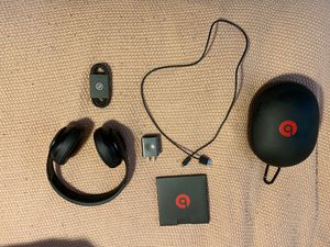 Beats studio 3 wireless for Sale in Littleton, CO