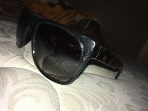 Burberry sunglasses for Sale in Las Vegas, NV
