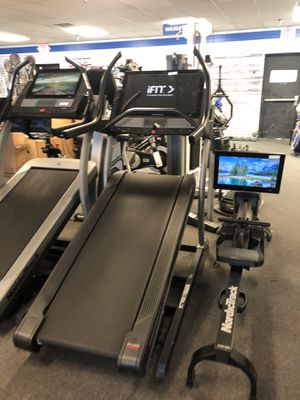 "2020 NordicTrack X32i Incline Trainer - 32"" Screen - 40% Incline - 1 Year warranty and ifit! for Sale in Glendale, AZ"