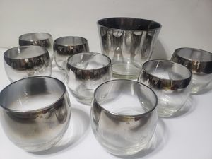 Dorothy Thorpe Silver Fade Rolly Polly 8 Glasses Ice Bowl Mid Century for Sale in Orlando, FL