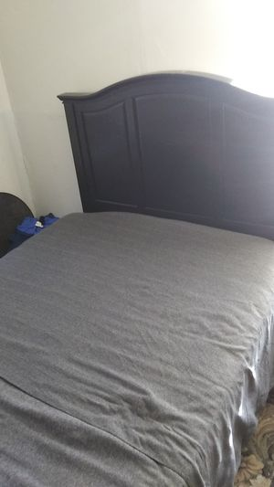 Queen Size Bed With Headboard and Frame for Sale in Baton Rouge, LA