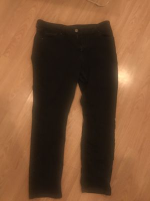Black Levi's mid rise skinny size 12 for Sale in Phoenix, AZ
