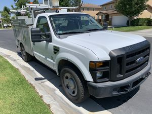 2008 FORD F350 UTILITY BODY IN GREAT CONDITION. VERY LOW MILEAGE for Sale in Anaheim, CA