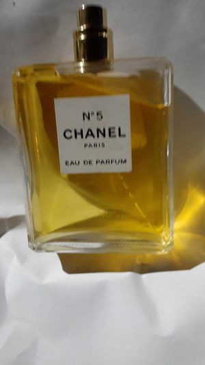 Coco chanel #5 Paris parfum 3.4 fl. Oz. for Sale in San Bernardino, CA