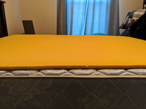 Queen Mattress, Box Spring, & Frame for Sale in Dunedin, FL