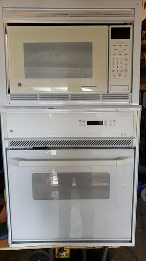 GE oven n microwave for Sale in Houston, TX