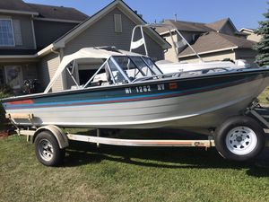 Smoker craft 16ft challenger fishing boat for Sale in Bolingbrook, IL