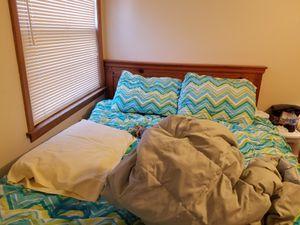 Wooden Queen/Full bedroom set for Sale in Mount Morris, IL