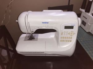 Project runway pc-420 sewing machine for Sale in Bloomfield, NJ