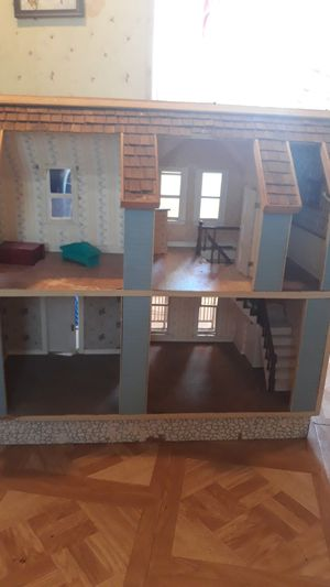 Hand built doll house 2 1/2ft by2 1/2 ft for Sale in Aurora, CO