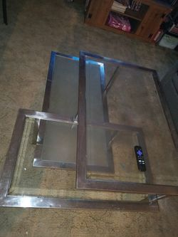 Perfect Center Table for Sale in Muscatine,  IA