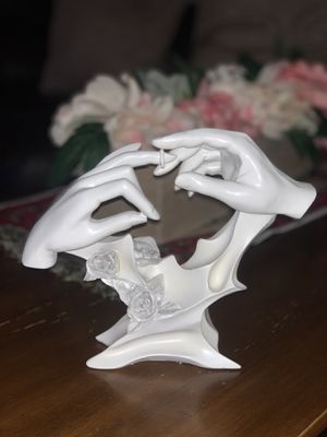 Wedding & engagement sculpture for Sale in Frederick, MD