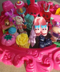22 Piece Mini Figurine Lot With Chunky Shopkins Toys Girls for Sale in Fresno,  CA