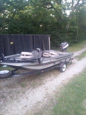 Phantom 15.5 ft fishing boat for Sale in Tennessee Ridge, TN