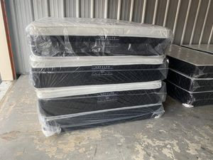 Queen size Pillowtop mattress and box spring FREE DELIVERY for Sale in Orlando, FL