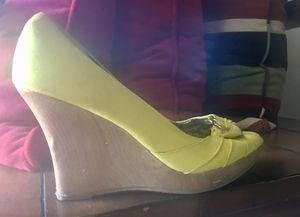 FREE Women's platform shoes w/ purchase! for Sale in Dallas, TX