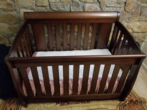 Baby crib with mattress for Sale in Springfield, VA