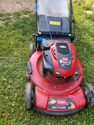 Toro 22 inch lawnmower with bag for Sale in Reynoldsburg, OH