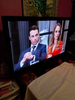 "LG PLASMA TV 50""INCH TIENE SU CONTROL ORIGINAL HDMI PORTS TODO FUNSIONA BIEN for Sale in Santa Ana, CA"