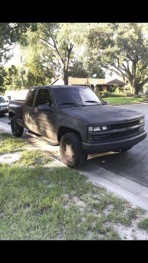 CHEVY SILVERADO 1500 4x4 for Sale in Tampa, FL