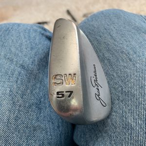 Jack Nicklaus sand wedge JN57 Dash 09 for Sale in Ruskin, FL