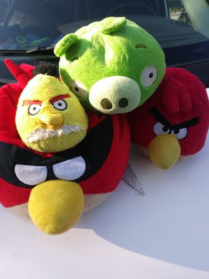 4 angry birds plushies for Sale in Lakeland, FL