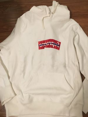 Supreme hoodie for Sale in Gardena, CA