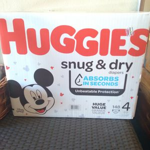 Huggies Size 4 for Sale in Highland, CA
