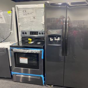 New Frigidaire Black Stainless Kitchen Set for Sale in Baltimore, MD