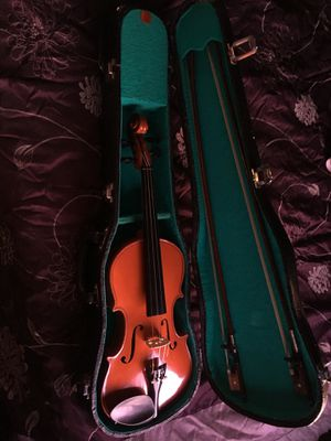 Violin and bow with case for Sale in Las Vegas, NV