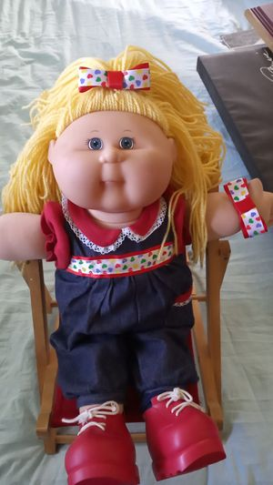 Cabbage patch doll and chair for Sale in Oklahoma City, OK