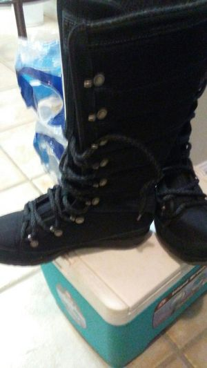 HH Winter boots size 7.5 for Sale in Hyattsville, MD