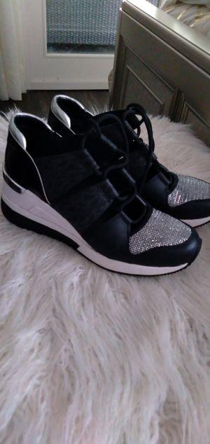 Michael Kors ladies sneaker shoe size 6m for Sale in Pompano Beach, FL