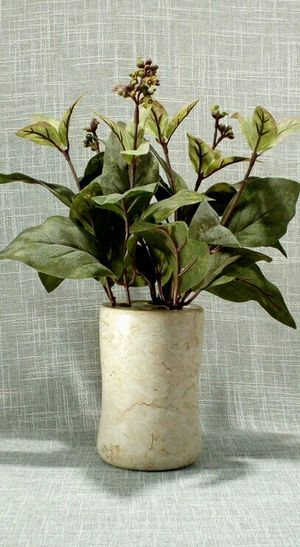 """Heavy Marble Vase with Artificial Plant 11""""x8"""" *PICKUP ONLY* home decor, household, flowers, boho for Sale in Mesa, AZ"""