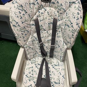 Chicco Snack Booster Seat for Sale in Philadelphia, PA