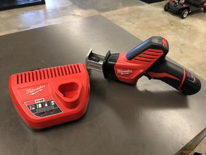 Milwaukee 2721-20 M18 FUEL ONE-KEY Brushless Sawzall w batt and charger no trades pick up tacoma for Sale in Tacoma, WA
