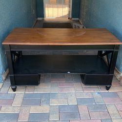 Heavy duty TV stand her or coffee table for Sale in Las Vegas,  NV