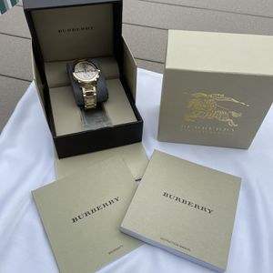 Burberry Men's Watch Gold With Extra Links for Sale in Warwick, RI