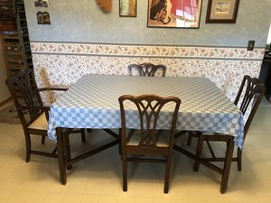 Antique Chippendale dining set for Sale in SWEETWATR STA, WY